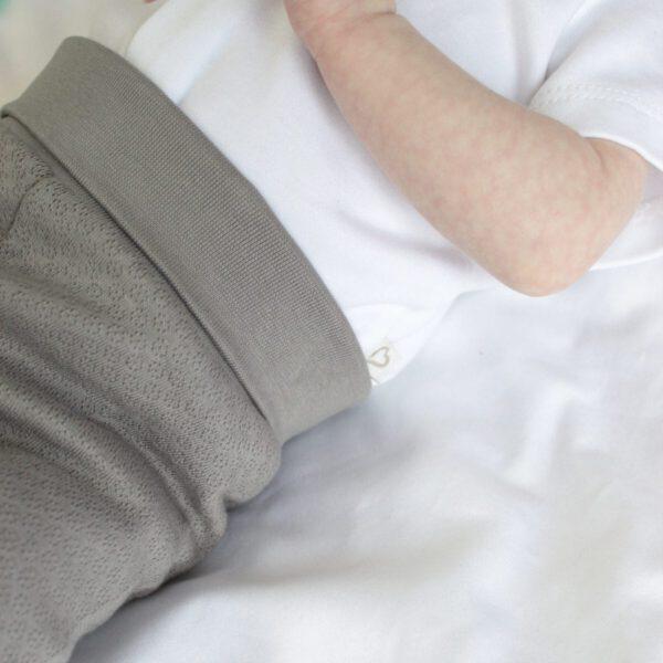 broekje grijs